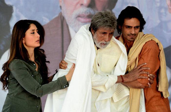 Kareena Kapoor, Amitabh Bachchan and Arjun Rampal in Satyagraha