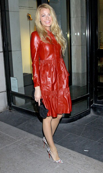 Blake Lively in Valentino in New York, Nov 2011