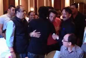 SRK-Salman at the party (courtesy NDTV)
