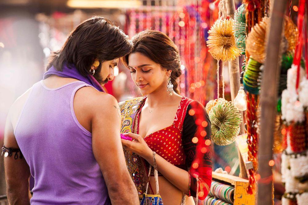 Ranveer-Deepika inGoliyon Ki Raasleela Ram-leela