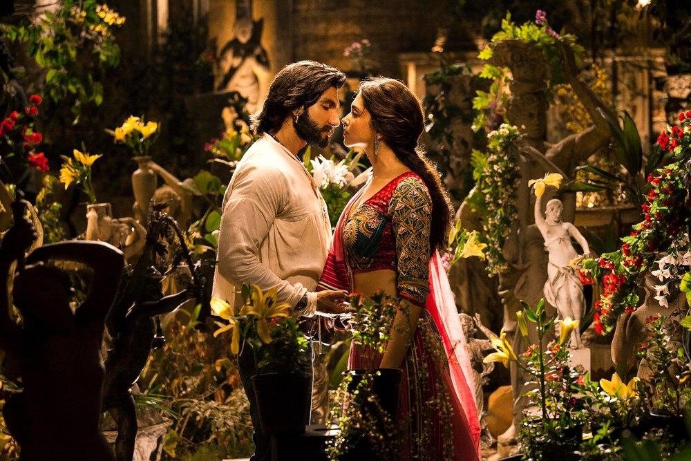 Ranveer-Deepika in a scene from  Ram-leela
