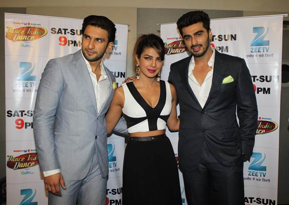 "Priyanka-Ranveer-Arjun have a blast on Dance India Dance 4 Arjun Kapoor, Ranveer Singh and Priyanka Chopra had a blast on reality show Dance India Dance, where Arjun and Priyanka revealed how the action choreographer had to put his foot down and insist that Ranveer control his energy on the sets of their upcoming Gunday. Even on the dance reality show, Ranveer would stand up and mimic grandmaster Mithun Chakraborty. ""Can't help it much dada (Mithun), it's just his personality. There's little one can do to control the energizer bunny,"" laughed PC. The episode will air in India on Saturday 8 February 2014 on Zee TV."