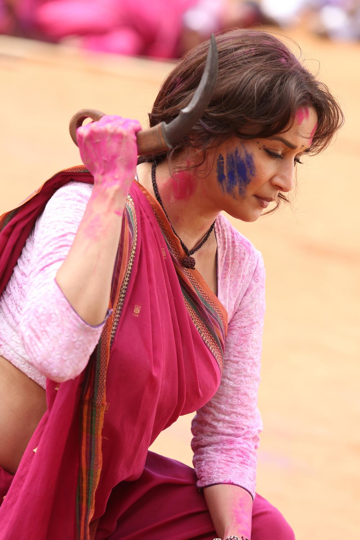 Madhuri Dixit in Gulab Gang (2).jpg