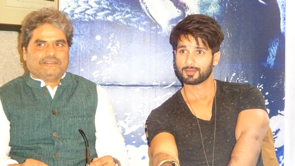 Vishal Bhardwaj & Shahid Kapoor at the round table for their upcoming Haider