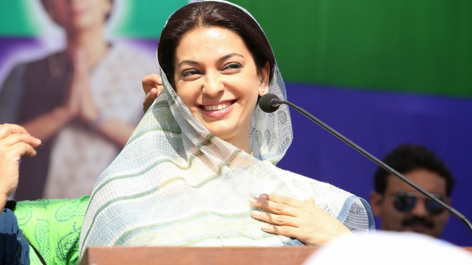 Juhi Chawla at her devious best in Gulaab Gang