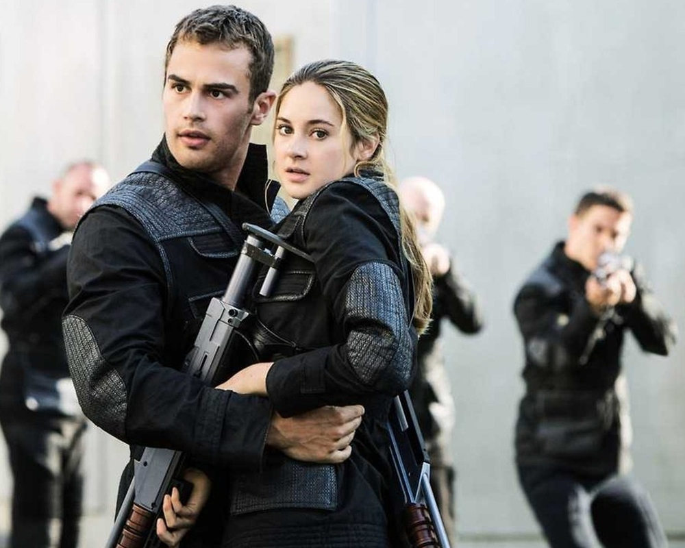 Shailene Woodley and Theo James in  Insurgent