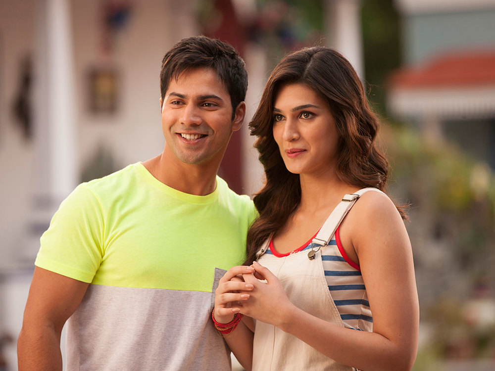 Varun & Kriti in a still from Dilwale