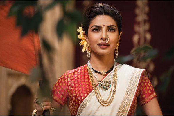Priyanka's looks are regal