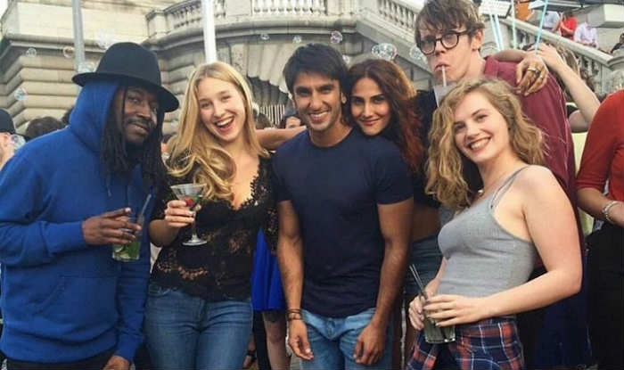 Ranveer-Vaani horsing around on the sets of  Befikre  in Paris
