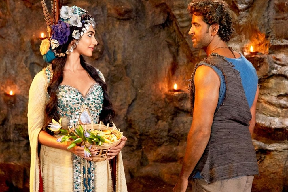 Hrithik and newcomer Pooja Hegde in Mohenjo Daro
