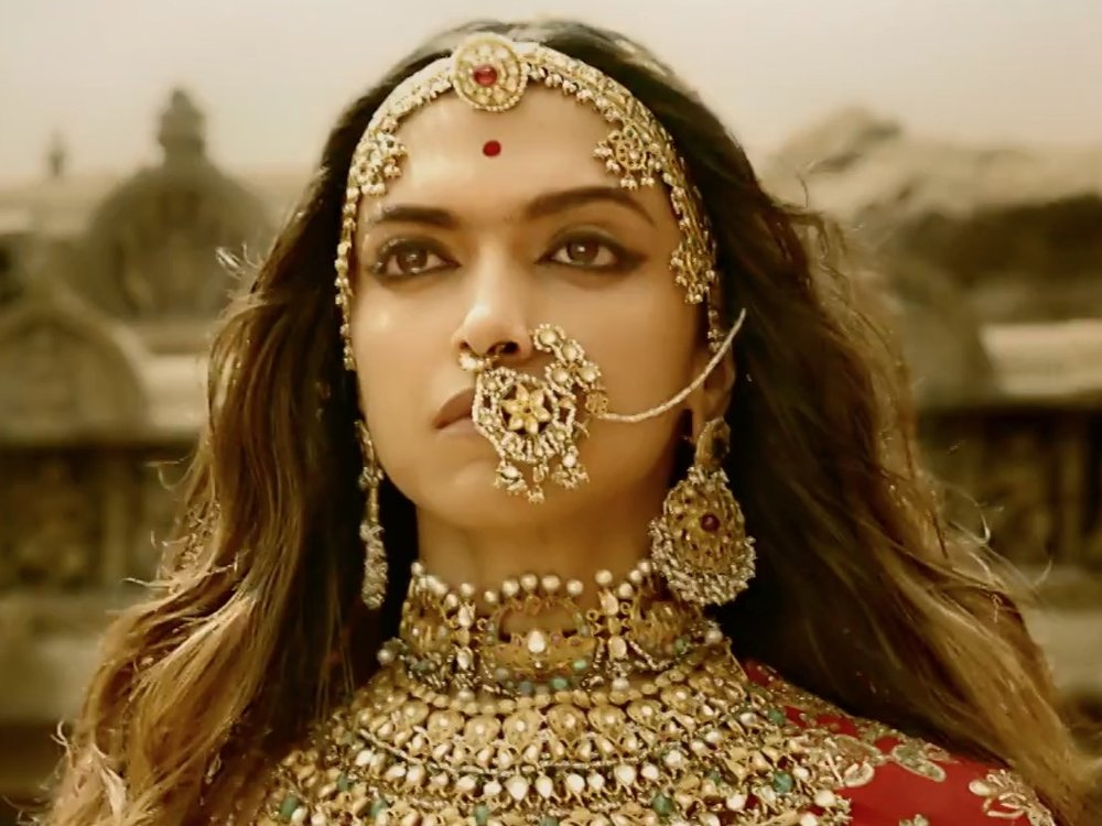 Deepika - regal as Rani Padmini