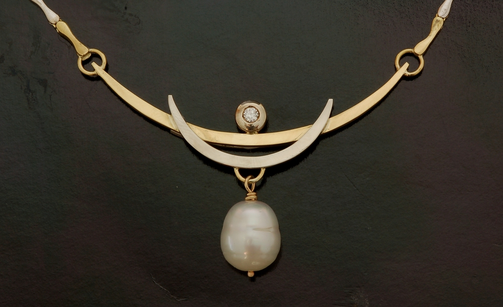 pearlnecklace.jpg
