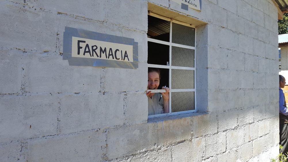 4. Farmacia.jpg