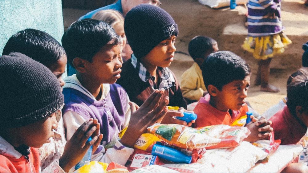 India Children praying.jpg