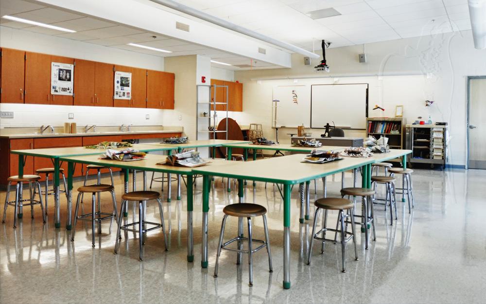 NewtownHS-teaching-artclass.jpg