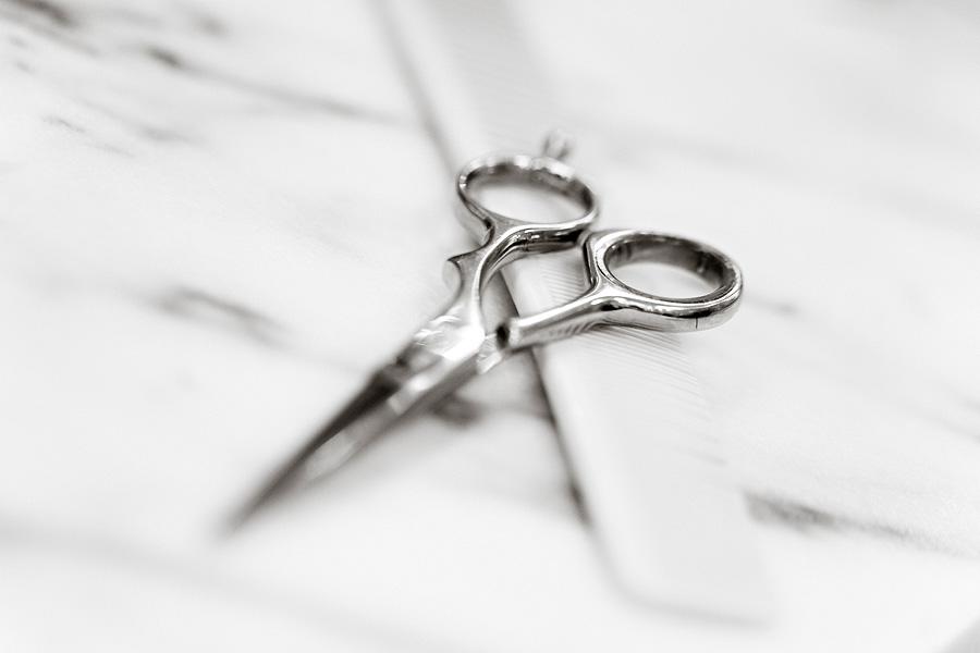 scissors bw.jpg