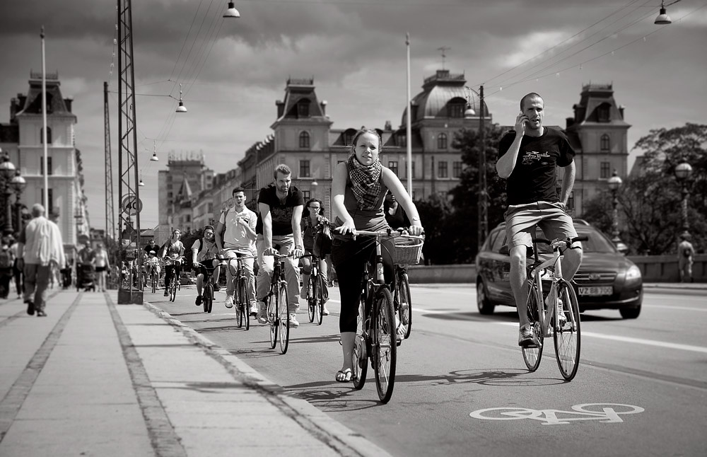 One of the many Cycling Superhighways in Copenhagen. Source: Creative Commons: Flickr/grapfapan