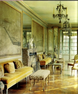Villa Trianon, deWolfe's home on the outskirts of Versailles, France