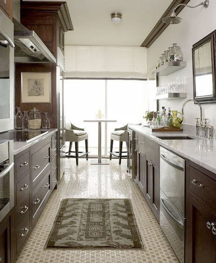 Why i love galley kitchensbrettvdesignblog for Traditional galley kitchens