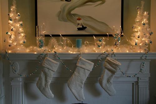 white-stockings-mantel-holiday-whitelights