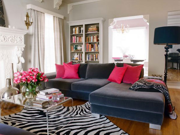 zebra+print+hot+pink+pillows+via+freshome+brettVdesign