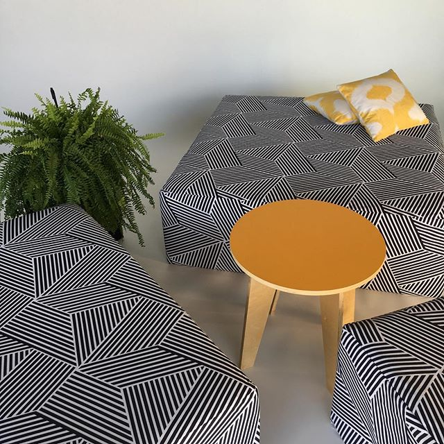 New fabric - the black & white diagonal stripes. Looks fresh and can work well with a bold color 💛. Available in the big square ottoman, the rectangle ottoman, and the cube.