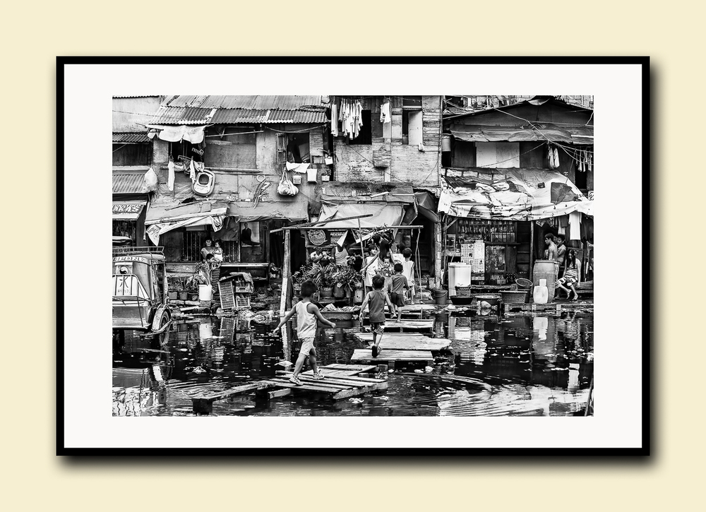 Homeward Bound, Navotas, Philippines. Fine art print on textured cotton paper, doublematted (archival)with hardwood frame.Available in printsizes A4, A3,A2 and A1.