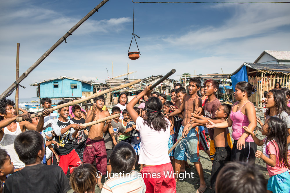 Basagang Palayok (Breaking the Pot), Isla Pulo, Navotas, Metro Manila, Philippines.   Philippine Stock Photo # 4203   Purchase a License   High Resolution Editorial License   Small - Php 5,000.00   725 x 483 px (10.07 x 6.71 in)  72 dpi – 0.4 MP   Medium - Php 10,000.00   2122 x 1415 px (7.07 x 4.72 in)  300 dpi - 3 MP   Large - Php 19,000.00   5760 x 3840 px (19.2 x 12.8 in)  300 dpi – 22 MP   Details   Credit: Justin James Wright  Image # 4203  License Type: Editorial  Release Info: Not Released  If you wish to purchase the license for this image please kindly contact us via the Form below.  Please kindly include the Image Title and Image Ref # in your email, we will get back to you.