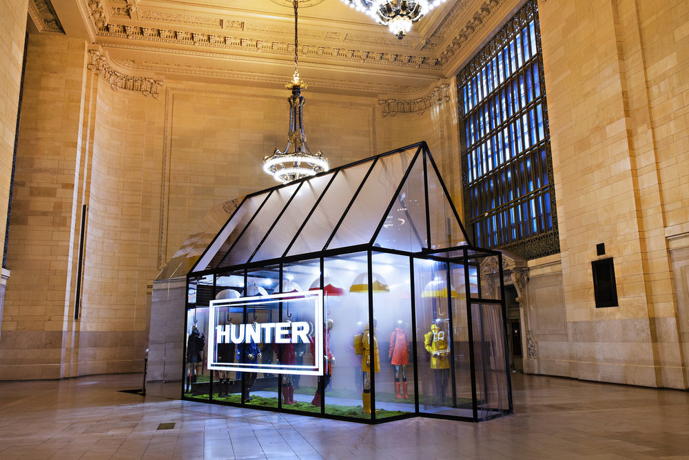 Hunter Boots, Grand Central Terminal, Vanderbilt Hall, Experiential Marketing, Pop-up Event, Events, B2C, Hunter Greenhouse, Invisible North, Brand Activation, Brand Experience, Production, Design, Agency, Event Marketing,