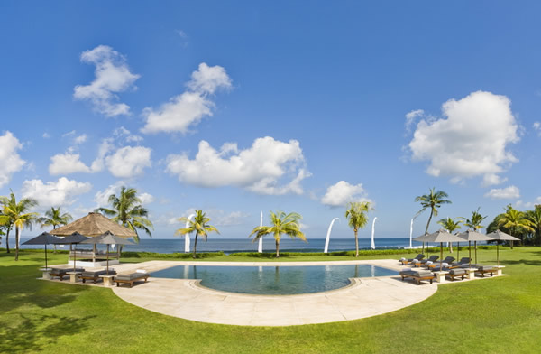 Pool_Panoramic_View.jpg