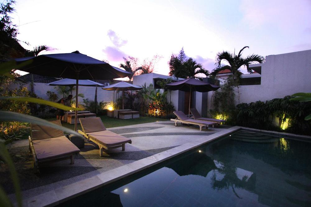 La Belle Villa - From $60/night Neighborhood: Seminyak  Jl. Kunti 2 No. 100 , Bali, Indonesia
