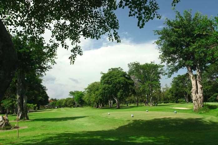 Bali Beach Golf - Fairway.jpg