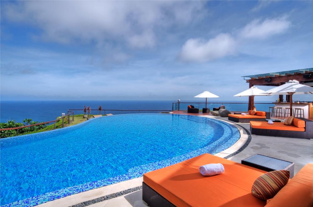 the-pool2-l2.jpg