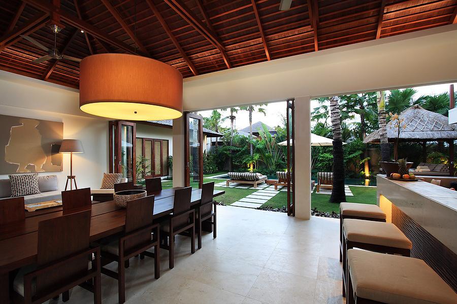 Villa Suar 2 living.jpg