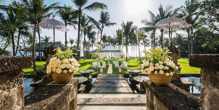 LEG-Weddings-Garden-Sunset Garden Wedding 03_v-1.jpg