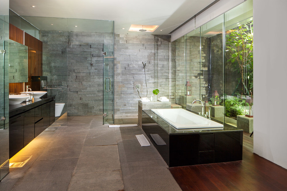 Bath Room at Master Bedroom.jpg