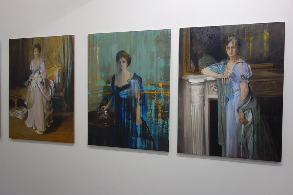 Masmonteil's historic portraits in unusual settings