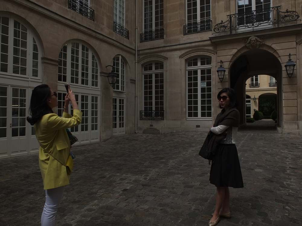 In the courtyard of Galerie M Goodmann