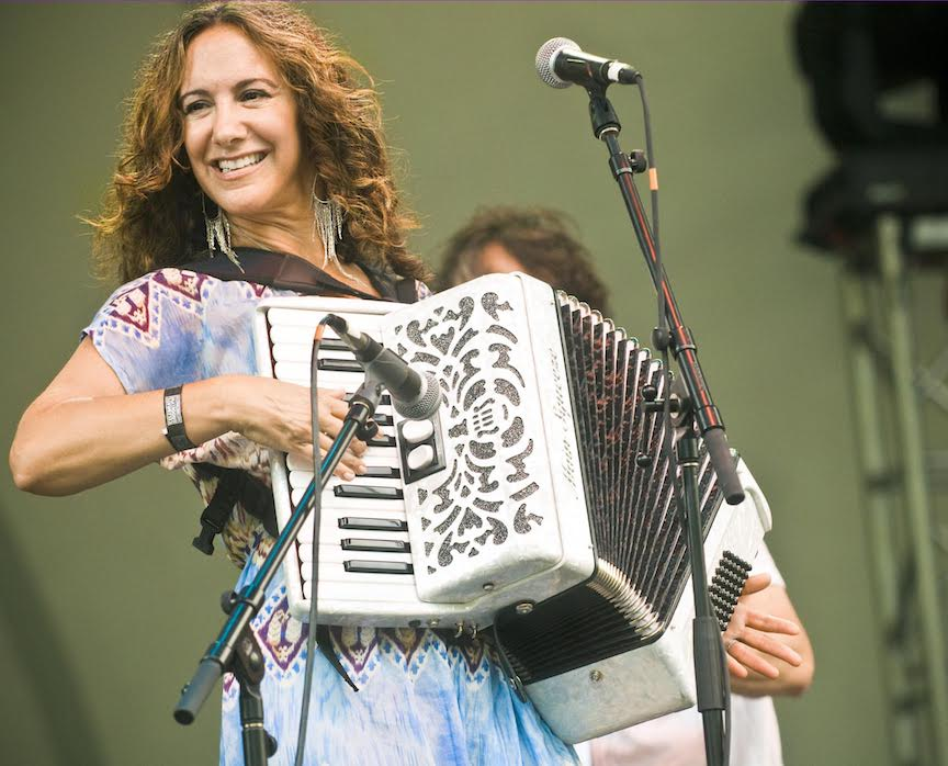 Claudia Müssen on the accordion!
