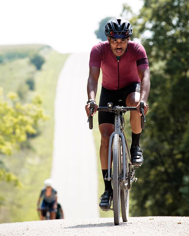 I think about 30 minutes into this ride I was in pain! Thankful for some people keeping me going to finish a brutal day. 📸: @ksparrow . #thedriftlessseries #raphachicago #RCCCHI . . . . #fromwhereiride #cycling #outsideisfree #cyclinglife #vscocycling #cyclingshots #beautyofcycling #bikingrepost @bikingrepost #cyclingshots #stravaphoto #stravacycling #roadcycling #roadcyclist  #cyclingphotos #cycling #wattsforthsole #critracing #bicyclemagazine #rapha #rcc #cyclingpics #roadstoride #lovesroadbikes #roadbikestudio #baaw
