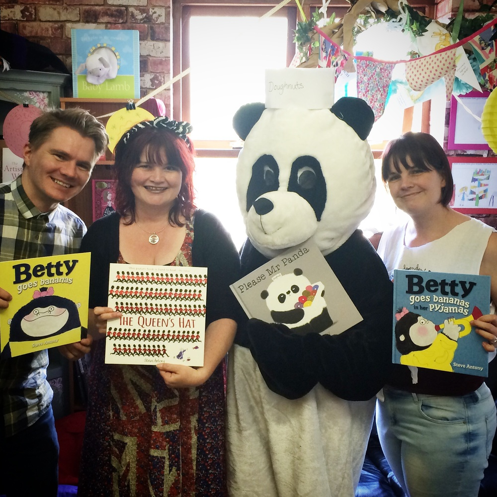 From left to right: me, Jo Byatt, Mr Panda (Michelle) and Hazel. Fellow illustrator and friend,   Jo Byatt,   dropped by with her husband Peter   and daughters, Monet and Sienna.