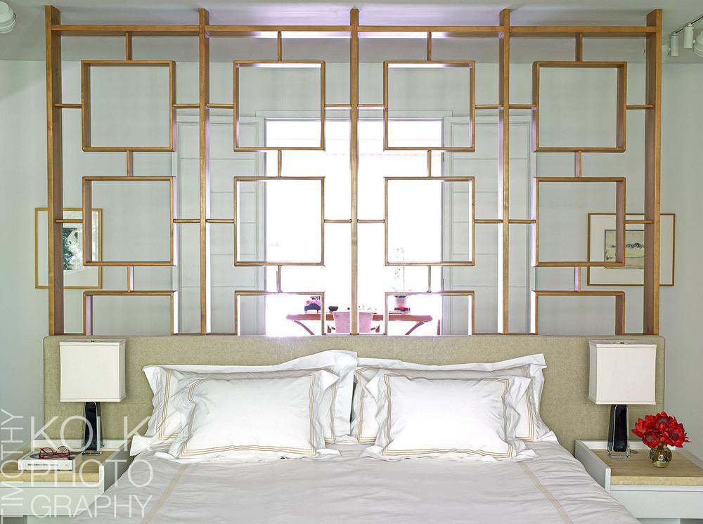 Young_bedroom_1_1_logo.jpg