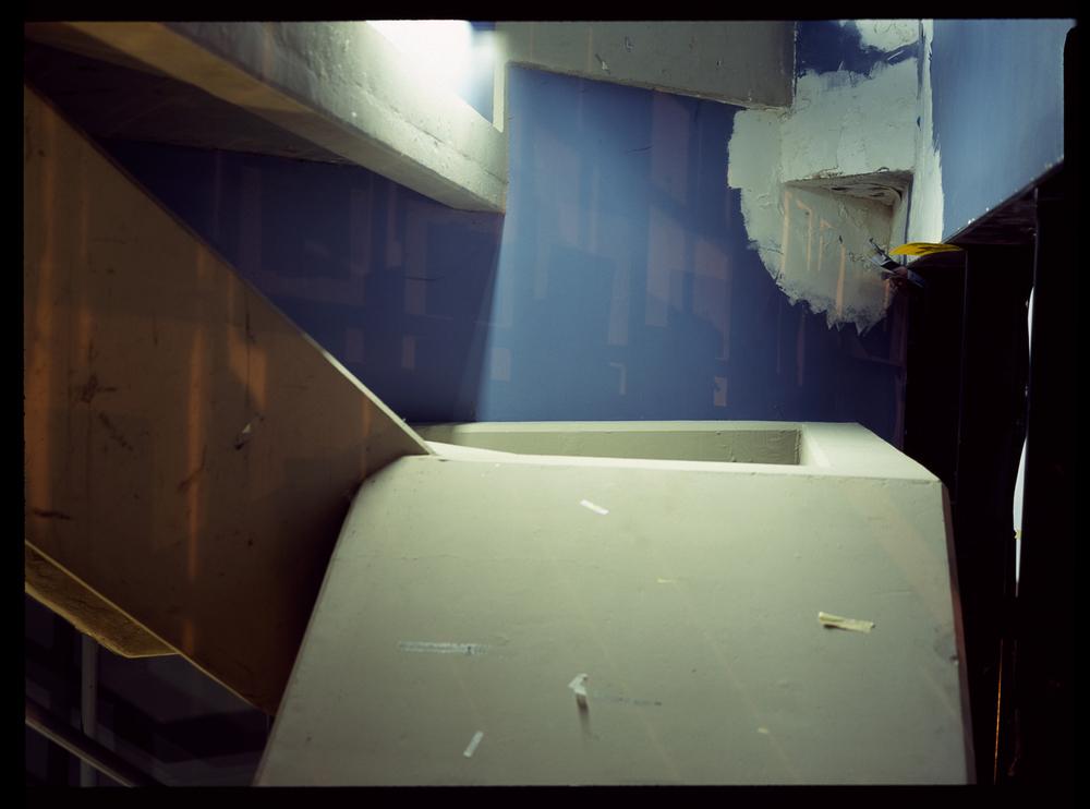 2009.10.14_stairwell1V1nsbp.jpg