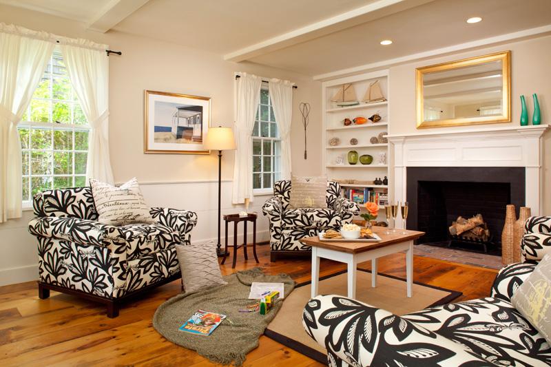 WhiteSail_Livingroom