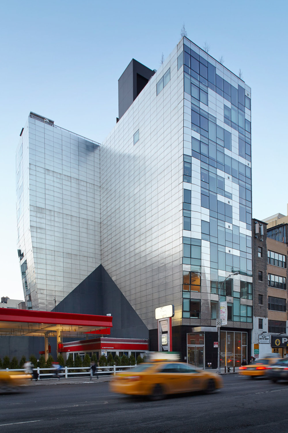245 Tenth Avenue  Chelsea NYC  Goshow Architects
