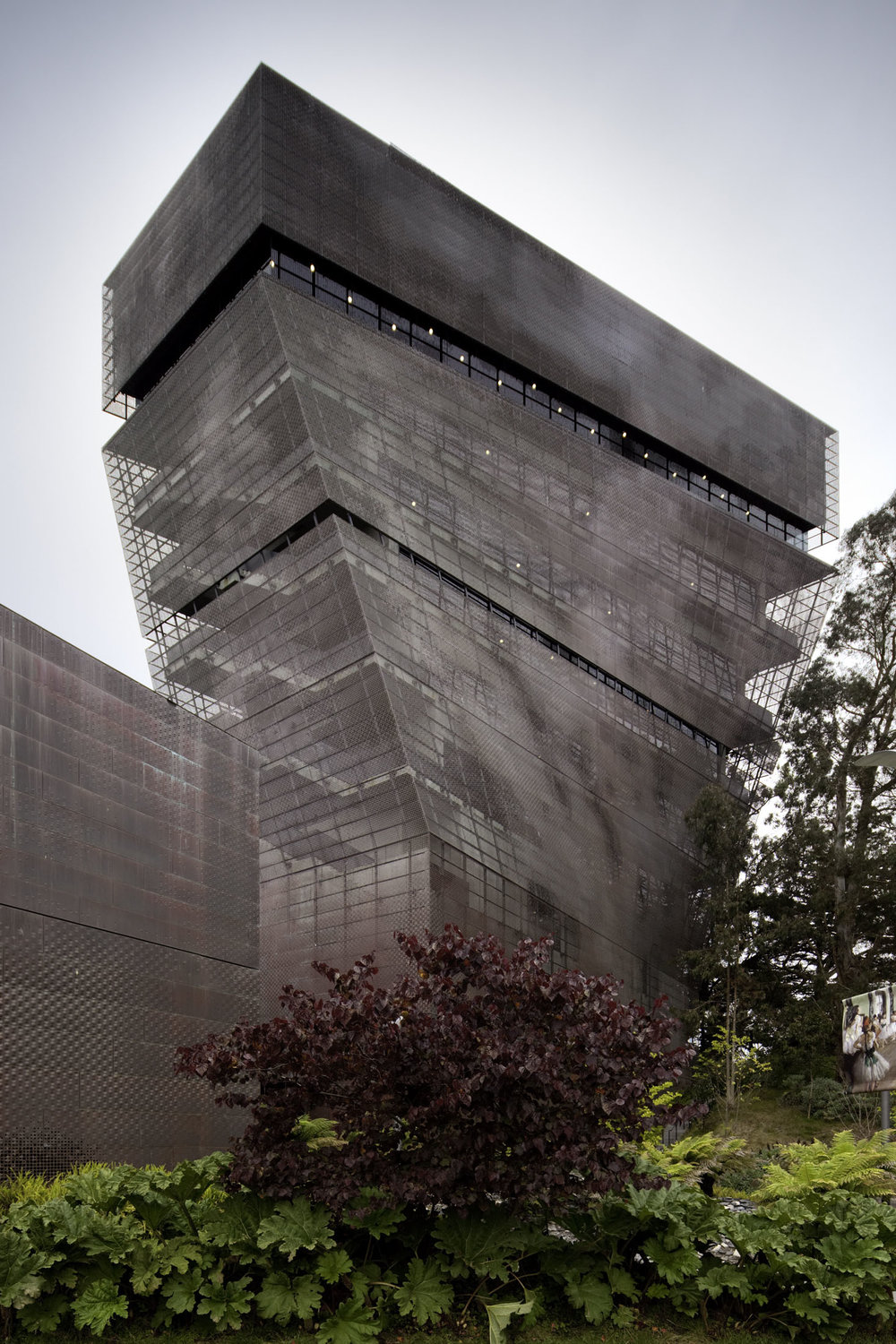 De Young Museum  San Francisco CA  Jacques Herzog, Pierre de Meuron and Fong + Chan   View Full Project
