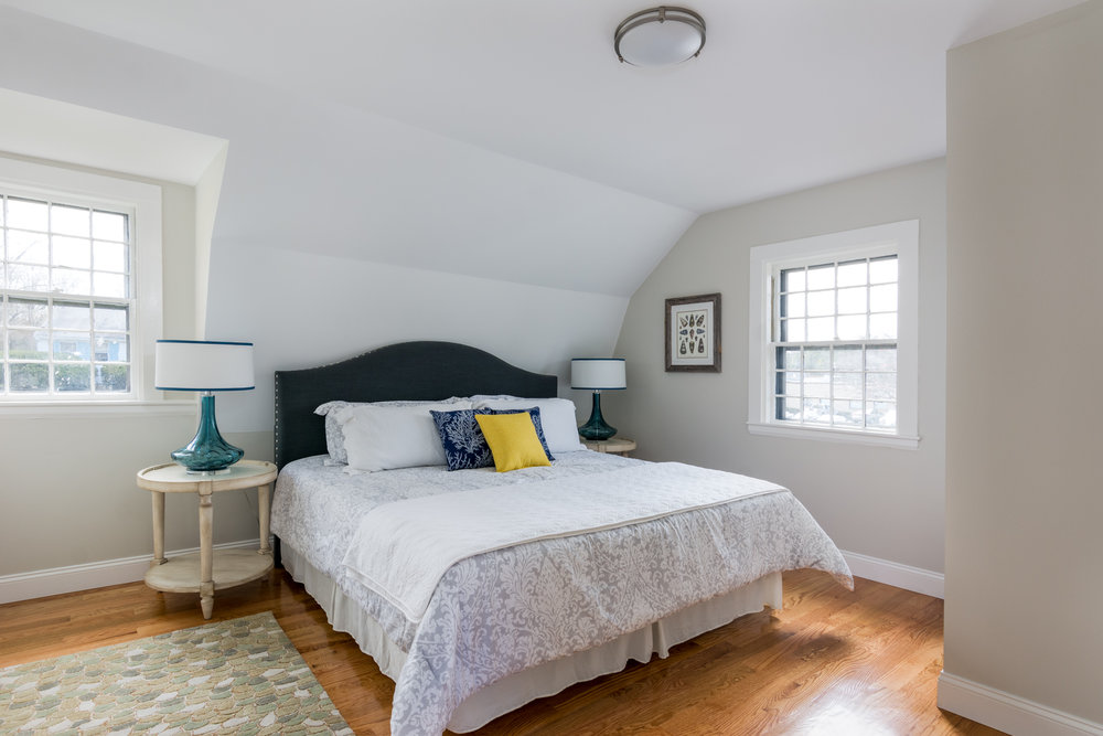 272LincolnStreet-Bed2-LoRes.jpg