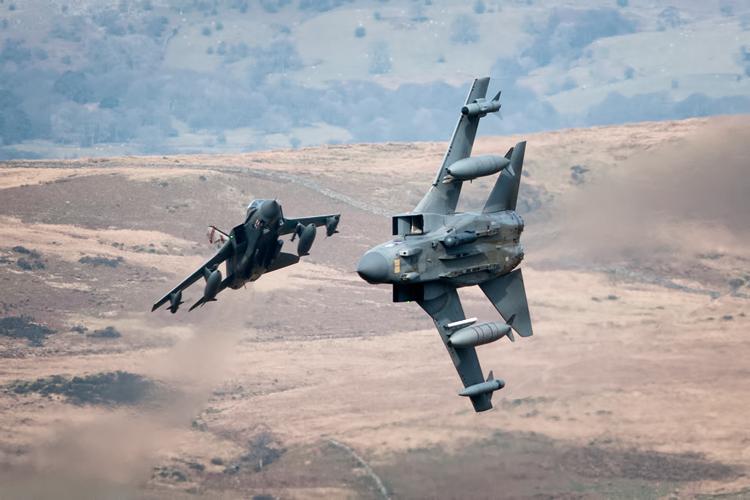41(R) TES Squadron Tornado GR4s dive into Cad.