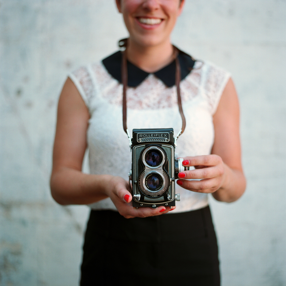 Merilo_sarah-and-her-rollei (2).jpg