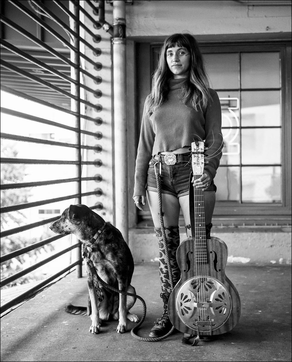 Sierra Ferrell Street Musician | Mamiya 6 75mm | Robert Munoz